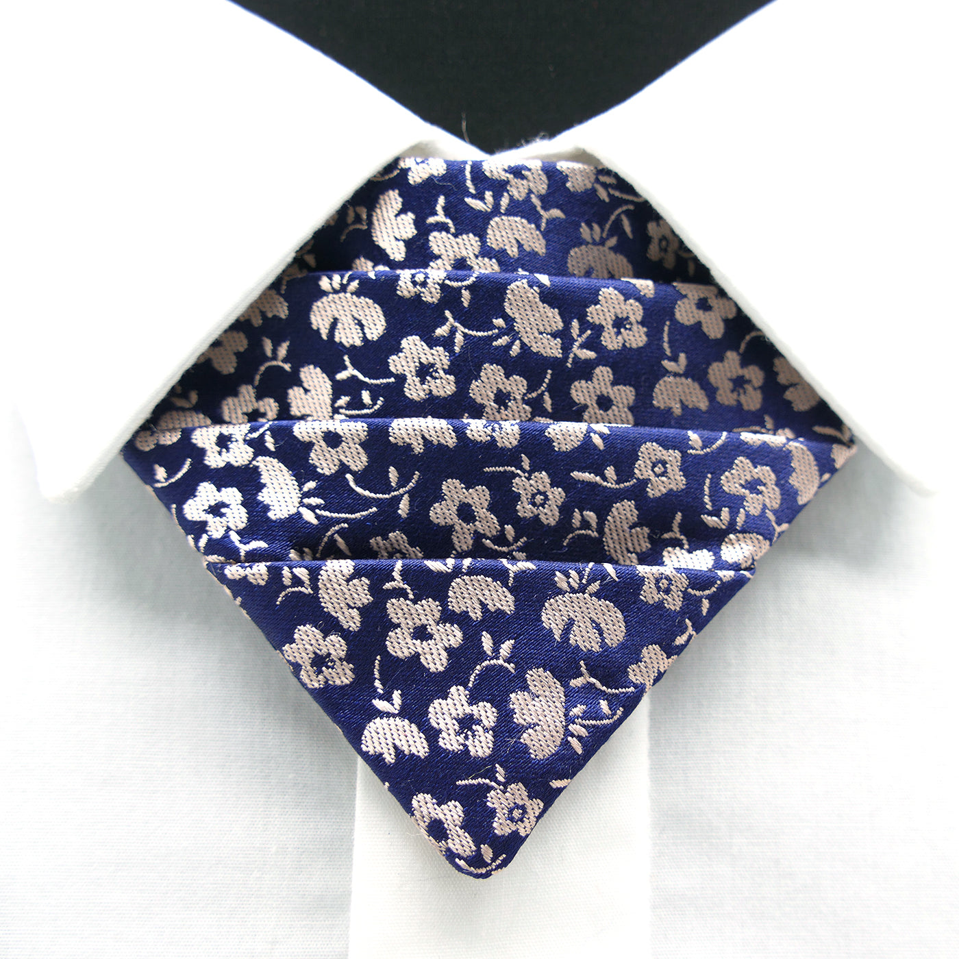 BERLIN BOW No. I design: pirlo flower