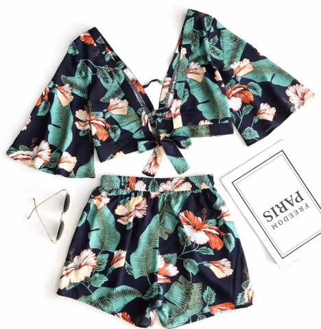 2-Piece Floral Flare Sleeve Crop Top & Mini Short Set