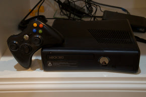 Microsoft XBox 360 S with 12 Games and Kinect Camera