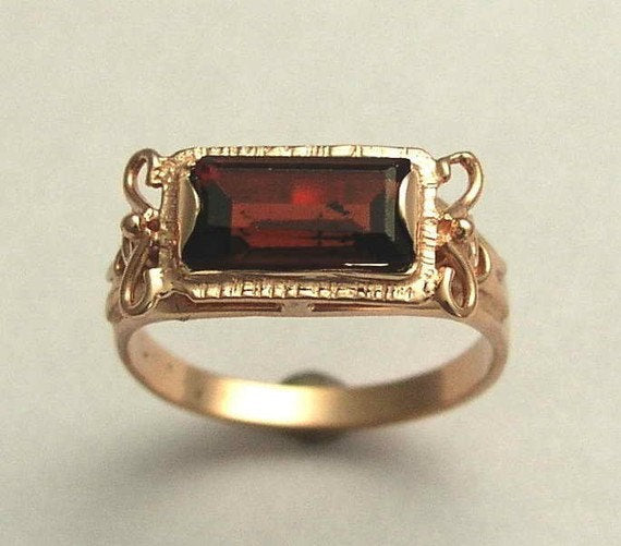 red stone wedding ring