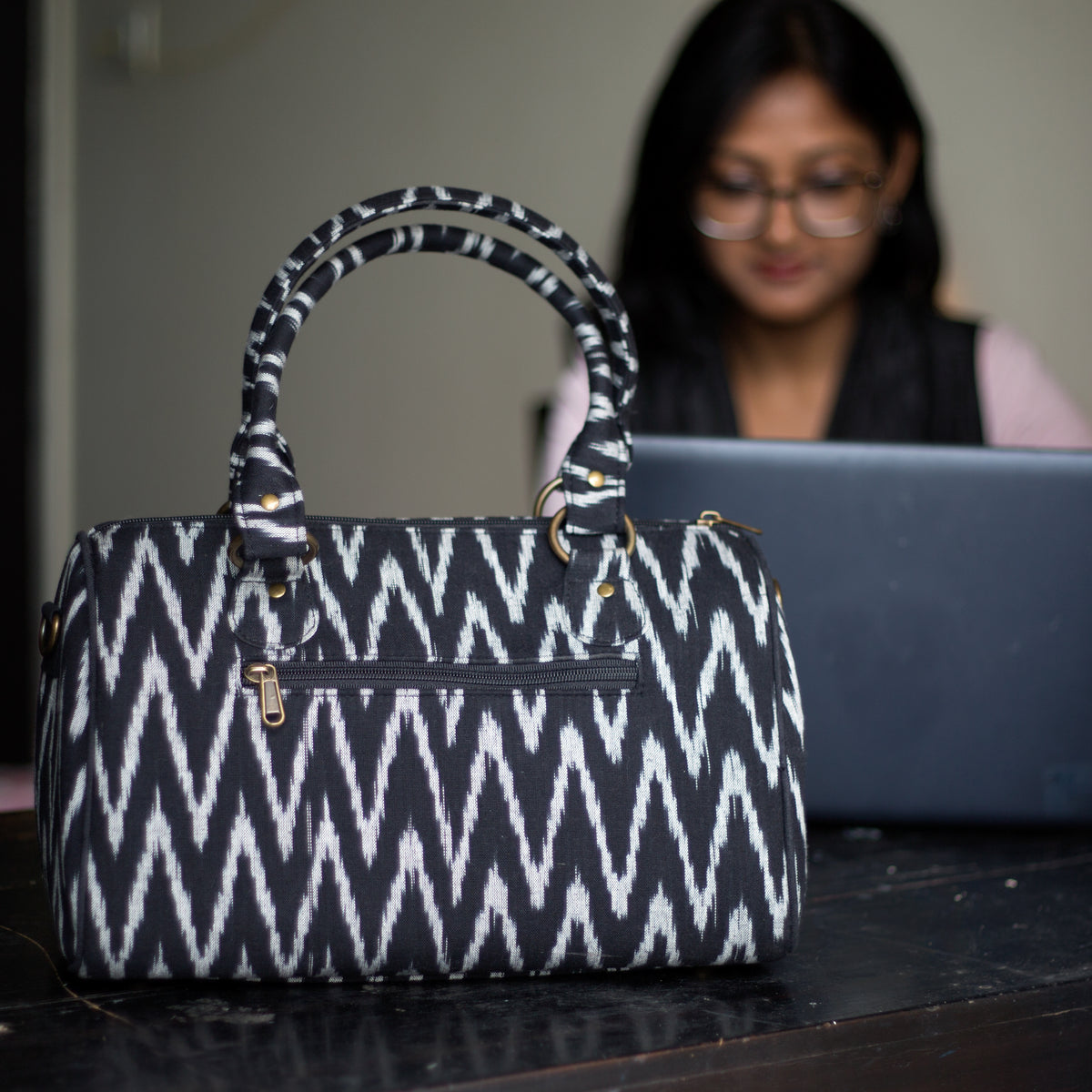 Corporate gifts laptop bags chanchal www.chanchal.co.in