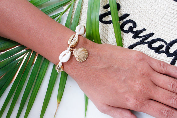 Gold Puka Shell Cream Thread Scallop Beach Boho Bracelet