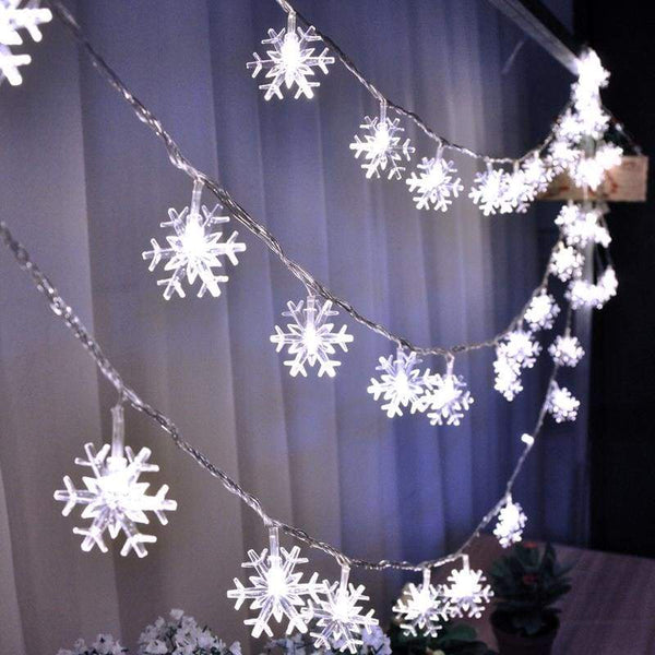 Strings Of Snowflakes - White / 10 Metres (3 Ft)