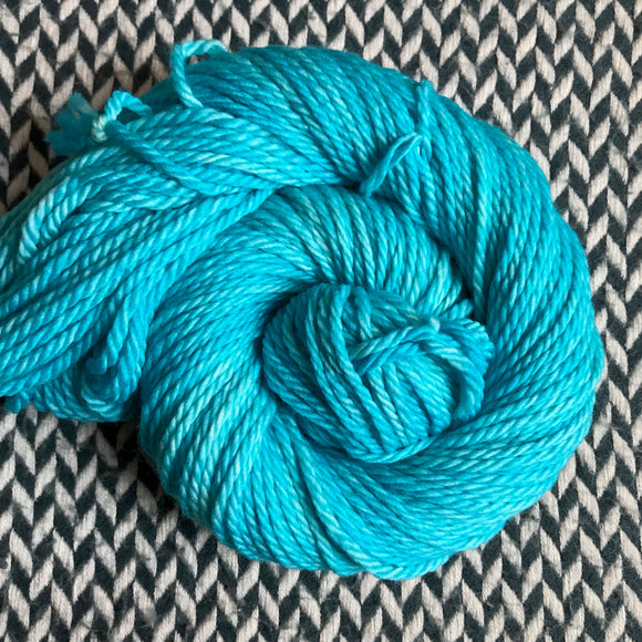 EAU ELECTRIQUE -- Flushing Meadows bulky weight yarn -- ready to ship
