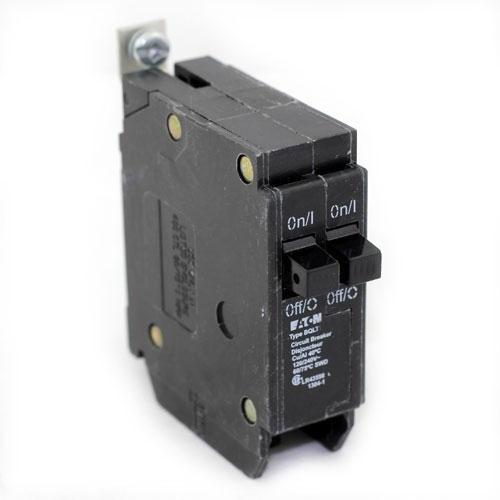 BQLT30 - Commander Twin 30 Amp Circuit Breaker