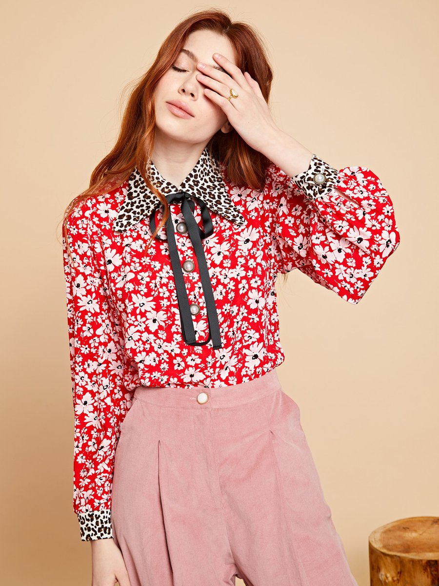 Badges Bow blouse
