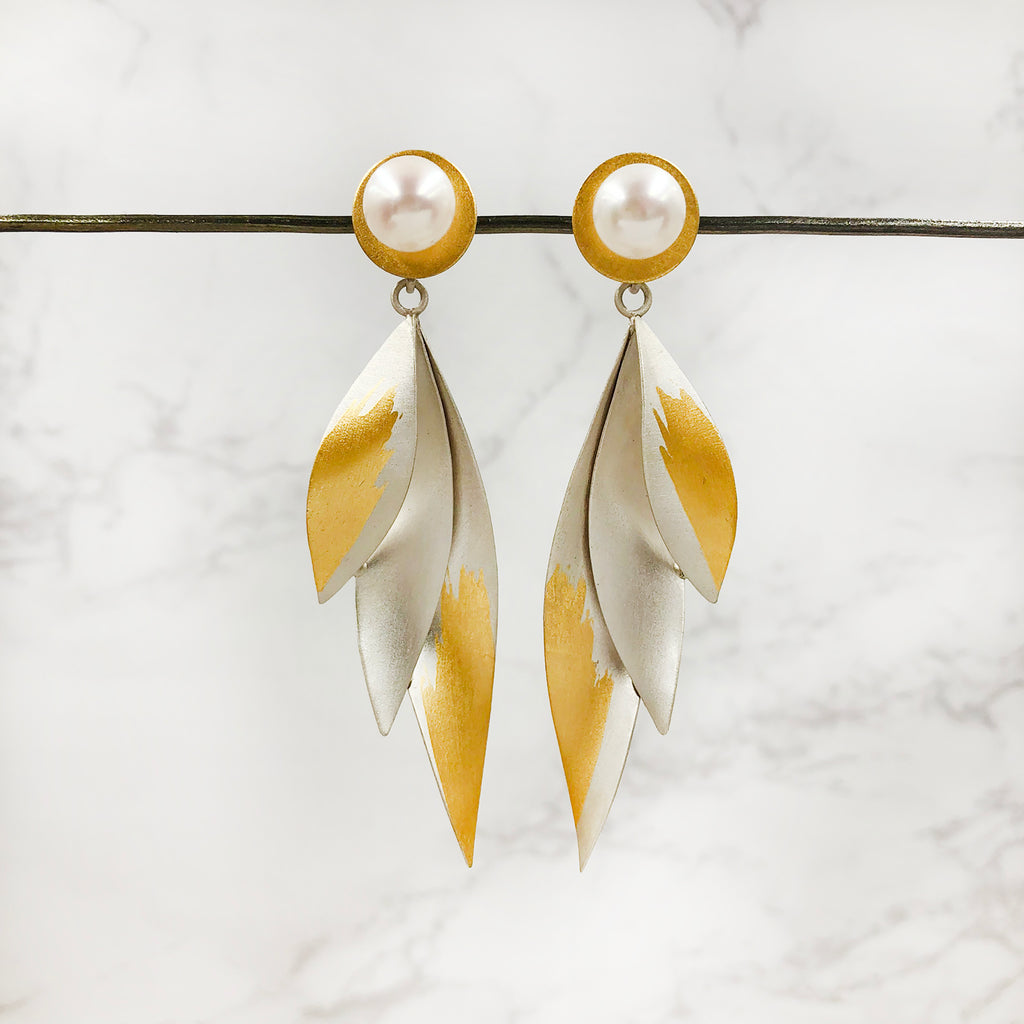 Judith Neugebauer - Post Pearl Earrings with Long Leaves