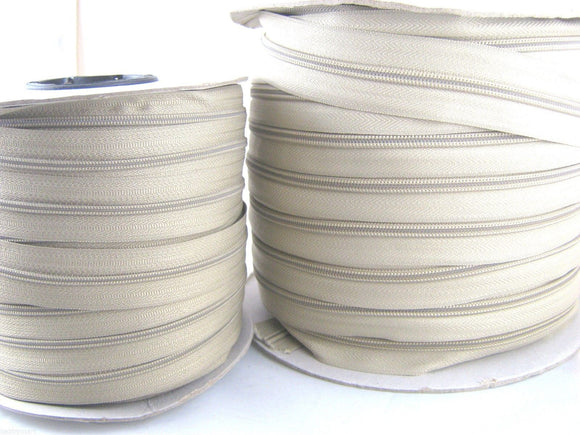 50m Beige Continuous No 3 Weight Nylon Zip Chain - ThreadandTrimmings