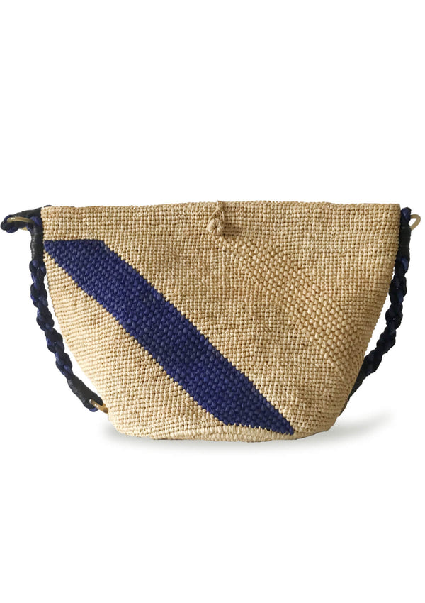 Raffia beach bag for holidays with pockets