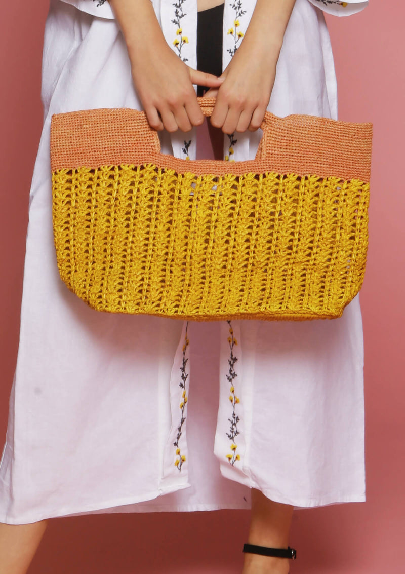 Affordable designer beach bag for luxury holiday