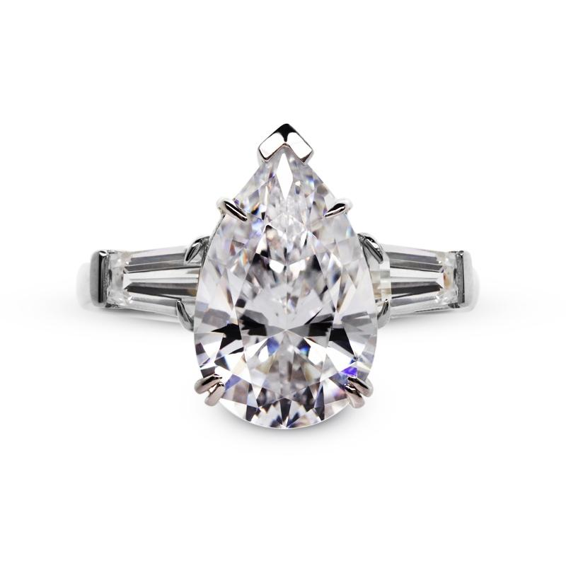 Magnificent Pear Cut in White Gold