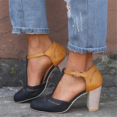 Casual Round Toed Plain Hollow Buckle Coarse Heel Sandal