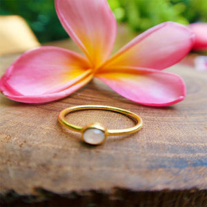 Round Moon Ring Gold
