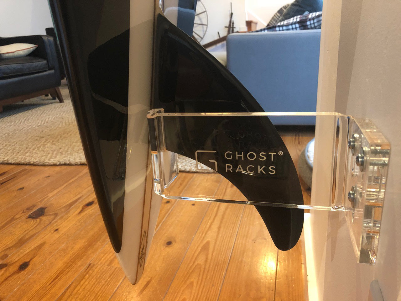 Surfboard fin in Ghost Racks bracket