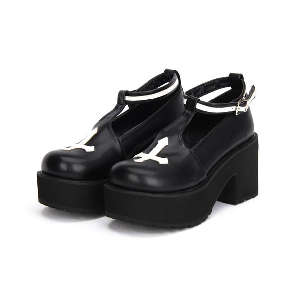 Gothic Cross Buckle Strap Platform Creepers - Black / 5 - Creepers