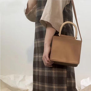Natural Wooden Handle Purse