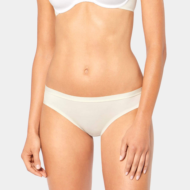Body Make-up Soft Touch Tai White Brief