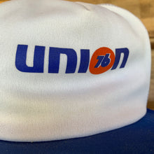 Load image into Gallery viewer, 1970s Deadstock Union 76 Trucker Hat