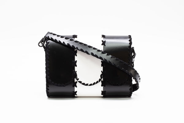 Titan cross body bag Black