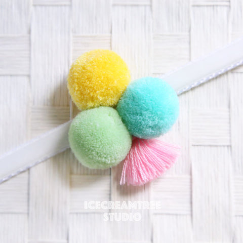 Big LOL Pom Pom with Tassel - Pom Pom Collar Accessory