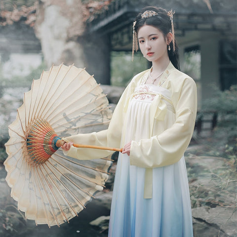Women  traditional fan stage dancing clothes