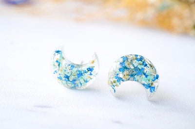 Real Pressed Flowers and Resin Moon Stud Earrings in Mint Blue White - kdthreads