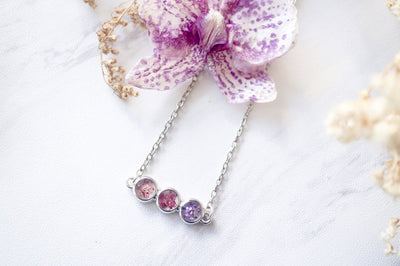Real Pressed Flowers and Resin Necklace Ombre Pink Purple Bar - kdthreads