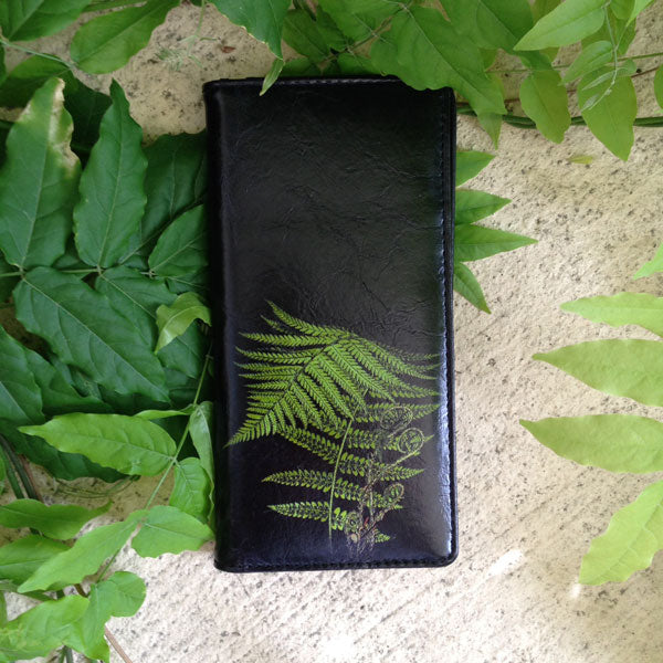 Shop PETA approved vegan brand LAVISHY's vegan/faux leather vintage style fern leaf print vegan large wallet. It's a great gift idea for you or your friends & family. Wholesale available at www.lavishy.com with many unique & fun fashion accessories.
