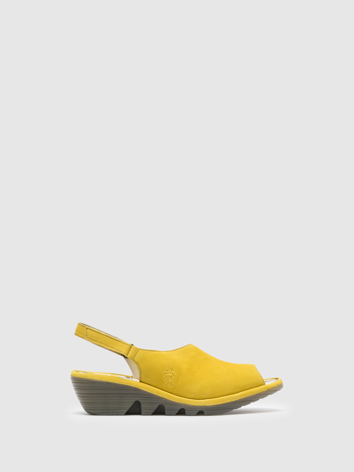 Fly London Sandalias con Cierre Autoadherente en color Amarillo Claro
