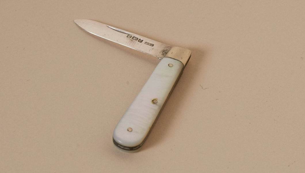 The Headhunter Sam - Silver and MOP Fold Fruit Knife