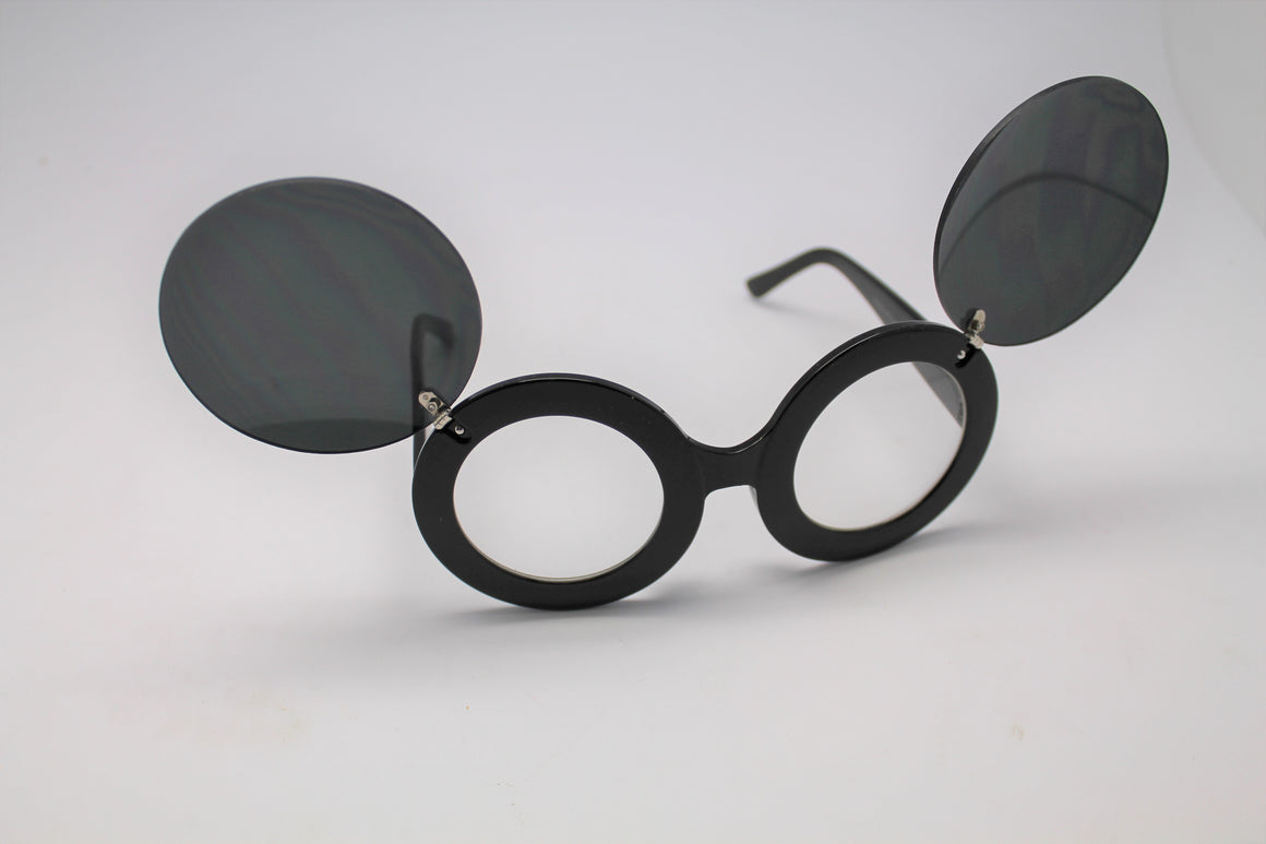 Lady gaga Mickey Mouse Flip Retro Paparazzi Sunglasses Black Frames and Clear lenses