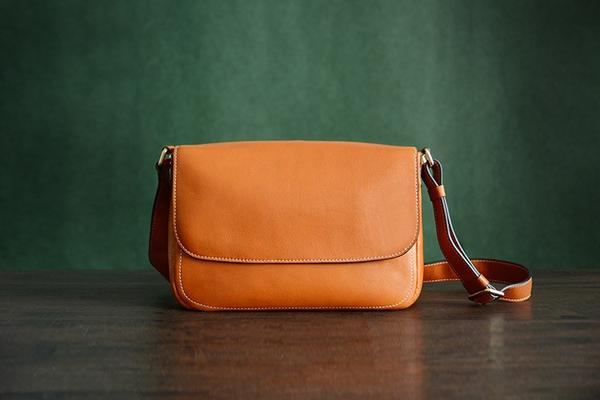 products/Custom_Handmade_Italian_Leather_Messenger_Satchel_Bag_Crossbody_Shoulder_Bag__1_grande_bee5a70e-e2a0-40ec-afe5-51976a0db7e1.jpg
