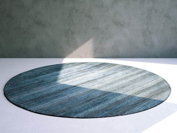 Floor Rug / Carpet: Round Patterned Rug