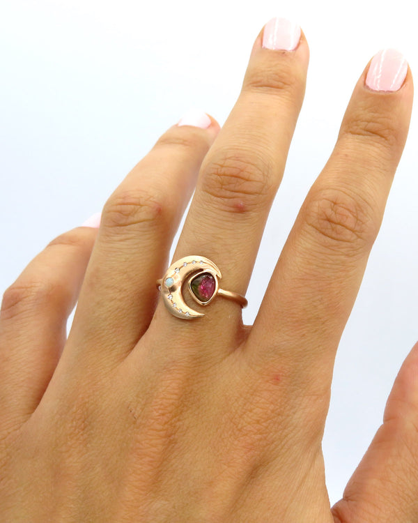 SHIMMERING MOON RING - FAIRYDUST_JEWELRY