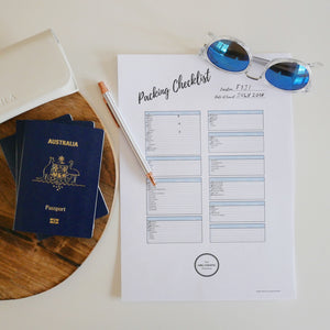 Travel Organisation Tips + FREE editable travel checklist!