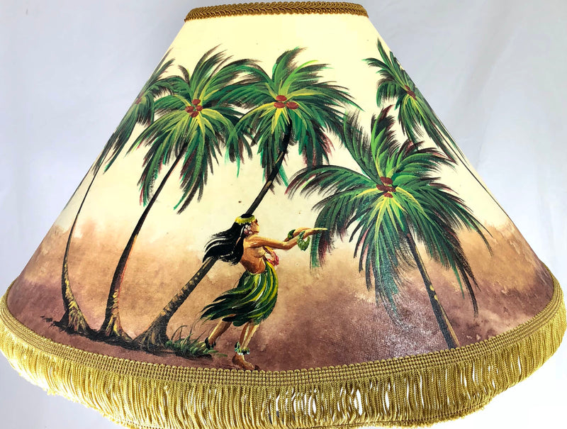 Hula Girl Windy beach 20 Inch Shade (5.5 x 12 x 20)