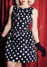 Load image into Gallery viewer, Vintage Style Large Bow Dress