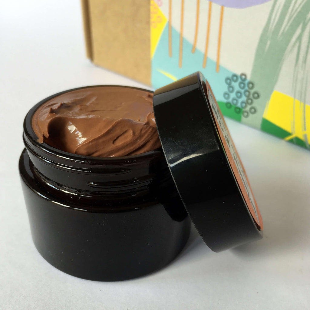 Easy DIY Kit for antioxidant facial mask with olive and cocoa powder