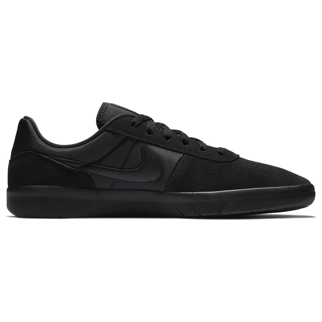 Nike SB Team Classic Shoes in Black / Black - Anthracite