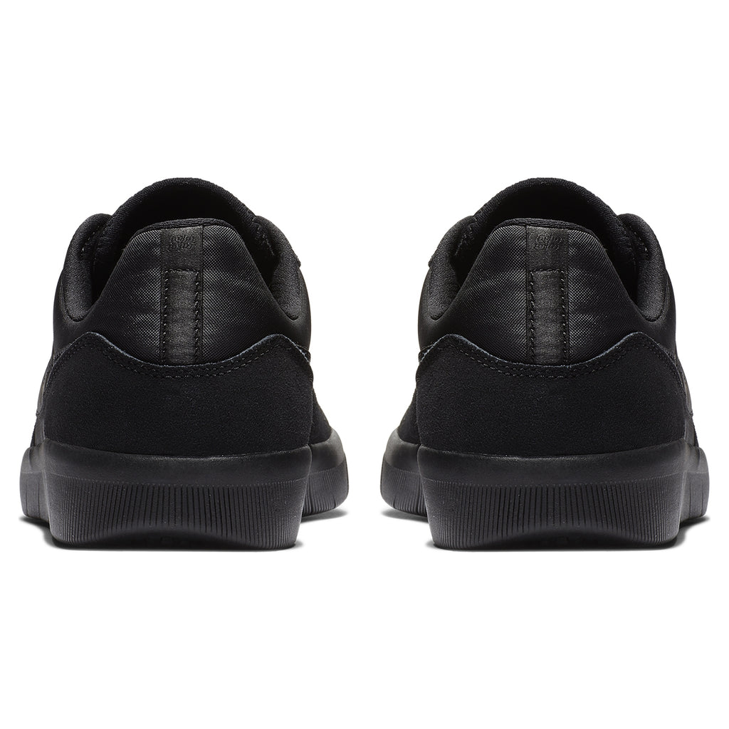 Nike SB Team Classic Shoes in Black / Black - Anthracite - Heel