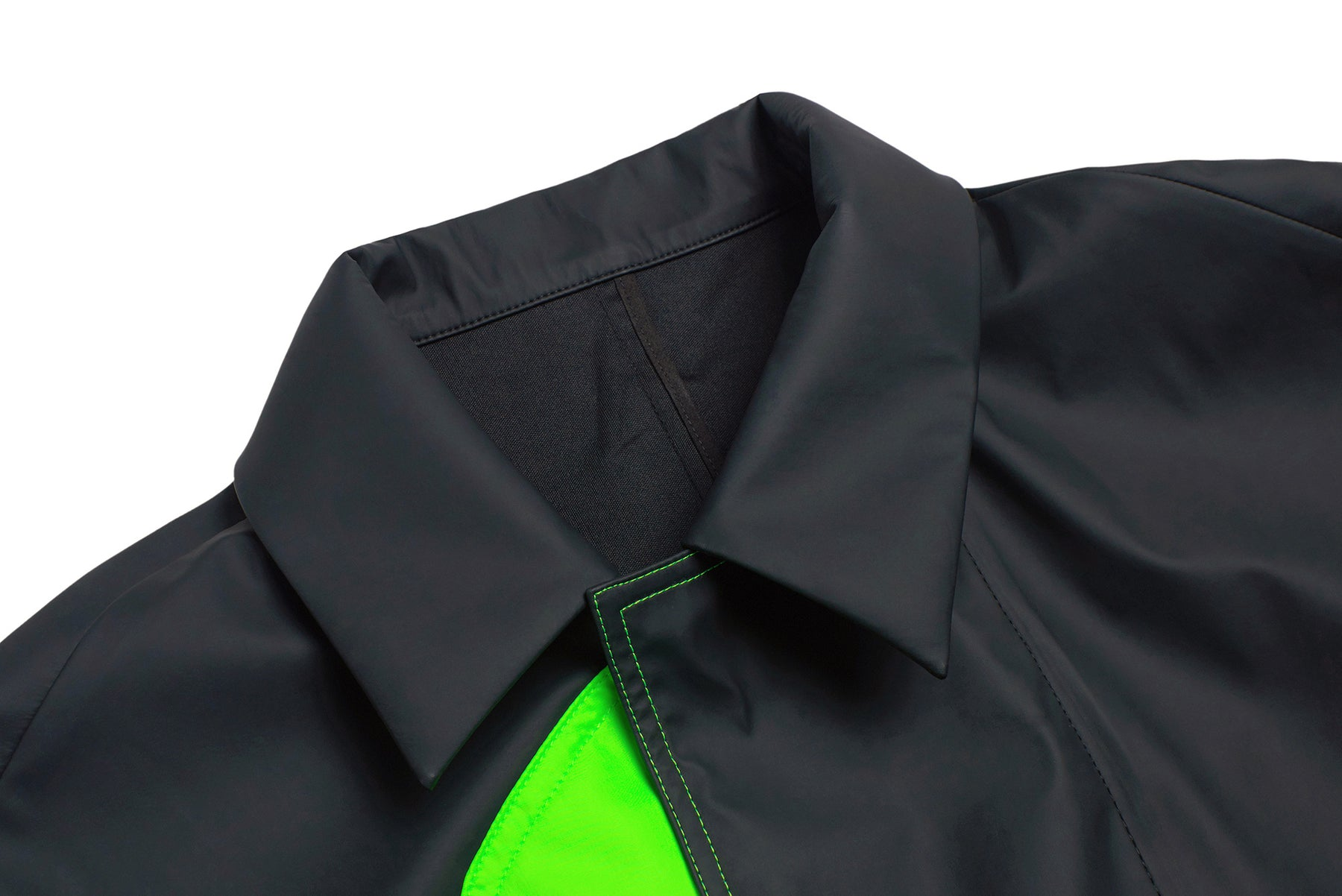 TWO-ELASTIC RIBBON POCKET OVERCOAT