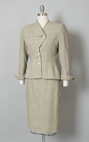 Vintage 1950s Suit | 50s LILLI ANN Grey Flecked Nubby Wool Asymmetrical Tailored 2 Piece Blazer Skirt Suit (small/medium)