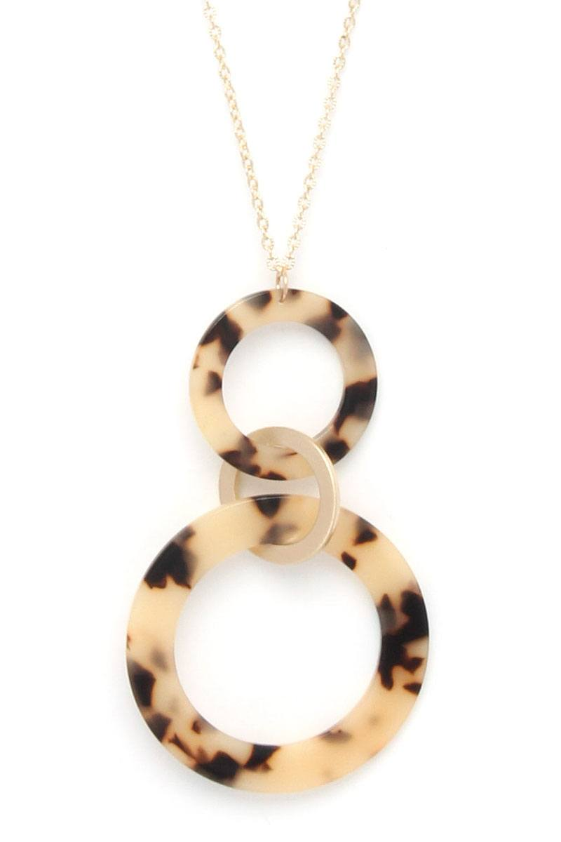 Acetate ring linked pendant necklace