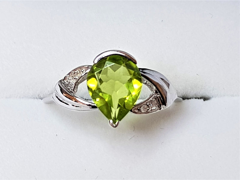 14ct White Gold Pear Peridot and Diamond Ring