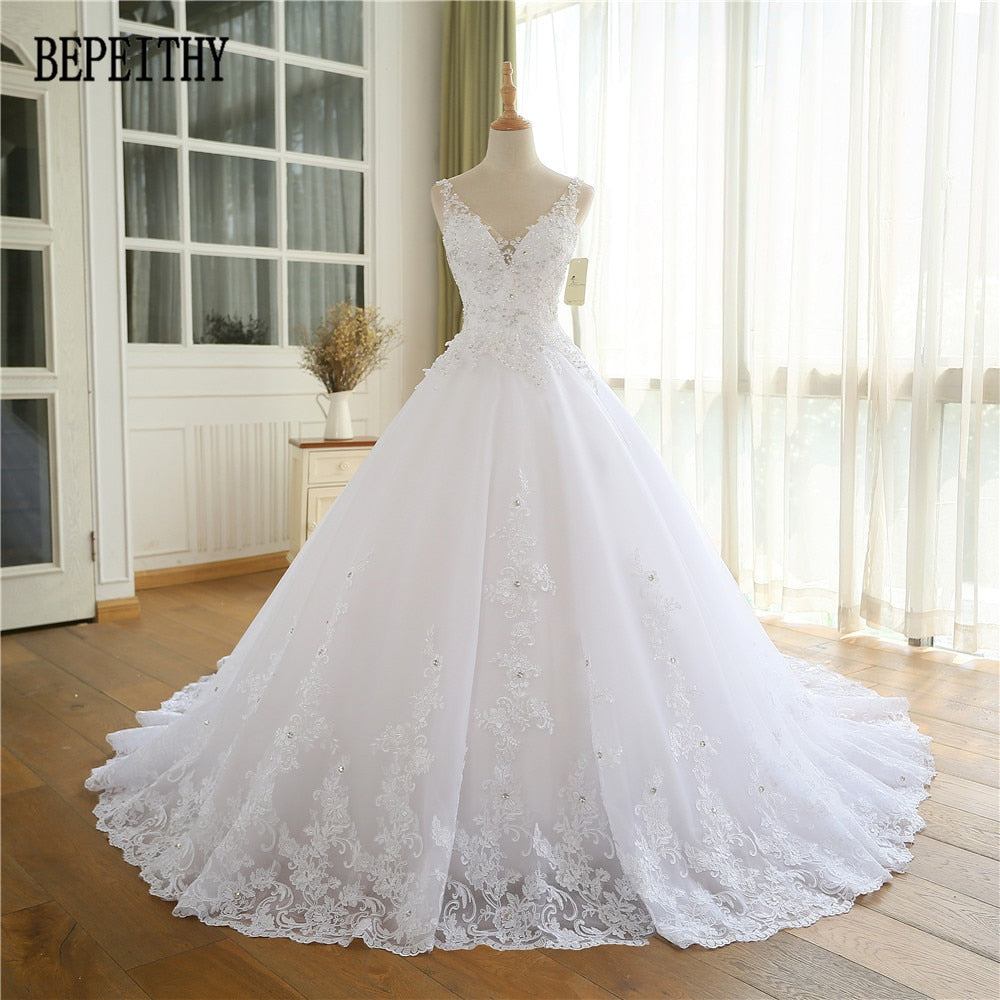 BEPEITHY 2017 Lace Appliques Vestido De Novia V-Neck A Line Beck Sweep Train Lace Wedding Dress Bridal Dresses Robe De Mariage