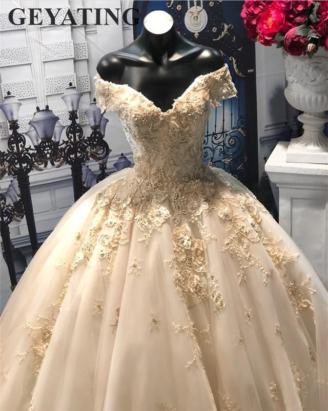 Dubai Light Champagne Lace Ball Gown Wedding Dress Appliques Floral Puffy Bridal Gowns Beaded Plus Size Wedding Dresses 2019