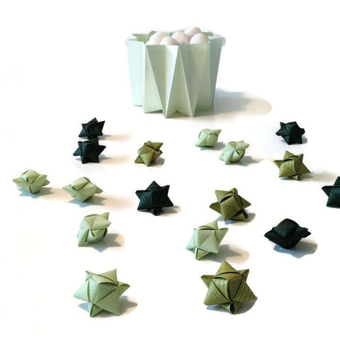 Mini cube stars for table or gift decoration 15 pcs - 10 green colors