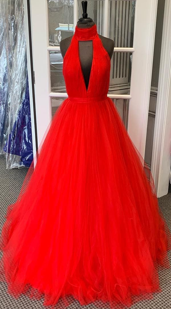 Halter Neckline Ball Gown Prom Dress - daisystyledress