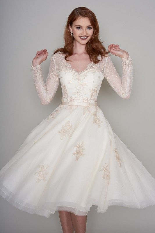 Vintage Long Sleeve Lace Wedding Dress