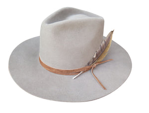 LATIGO FEDORA in morning fog with wrapped suede and feather